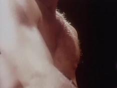 Шатенка в красных чулках оттрахана в позе раком и забрызгана спермой