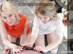 Две молоденькие русские блондинки делают минет и ебутся с пареньком
