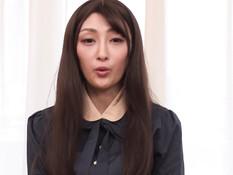Застенчивая молодая японка отсосала и испытала двойное проникновение