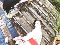 Сиськастая татуированная дама ебётся во все дырочки посреди развалин