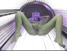 Spycam - Teen in solarium